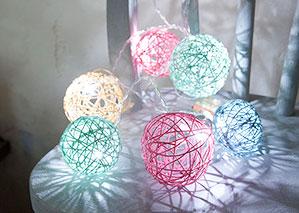 アニースローンペイントで染めたタコ糸を使って、100均の電飾をおしゃれに変身♪