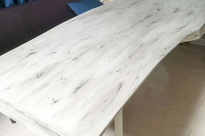 お客様例 1枚板テーブルのリペイント、色が変われば印象が変わる!!
